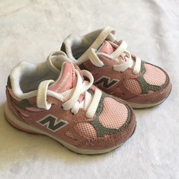 huge discount a6db2 d3b61 New Balance 990 Baby Sneaker